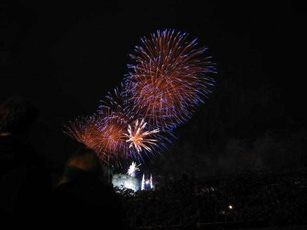 edinburgh fringe fireworks